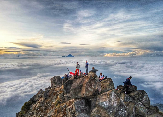 4 Spot Foto Anti Mainstream di Gunung Semeru